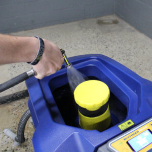 Rinsing out scrubber recovery tank